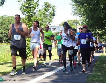 Runners in Groundwork Lawrence's Spicket River Greenway 5K, 2015